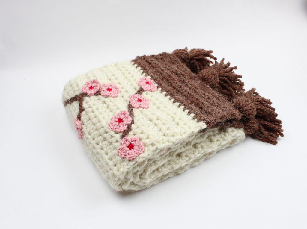 crocheted sakura scarf
