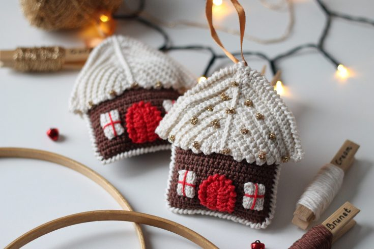 Gingerbread House Amigurumi