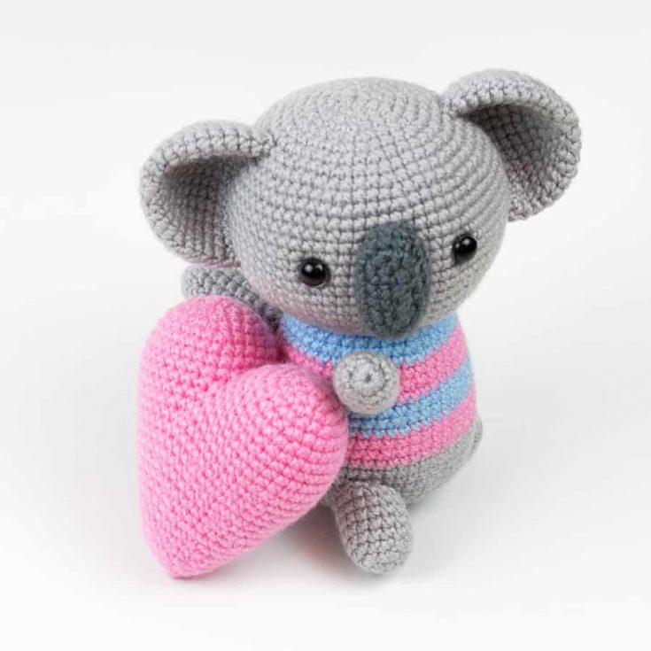 Amigurumi koala with heart pattern